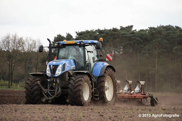NH T7.270 + Kverneland (25)