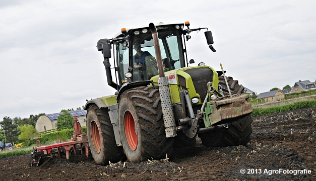 Claas XERION 3800 VC TRAC + Cultivator (11)