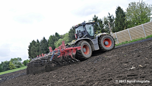 Claas XERION 3800 VC TRAC + Cultivator (3)