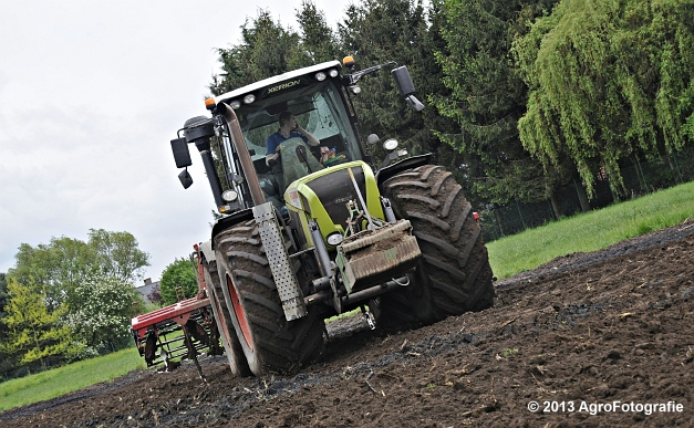 Claas XERION 3800 VC TRAC + Cultivator (4)