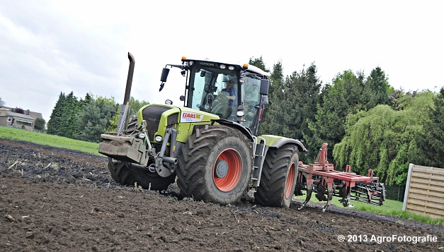 Claas XERION 3800 VC TRAC + Cultivator (5)