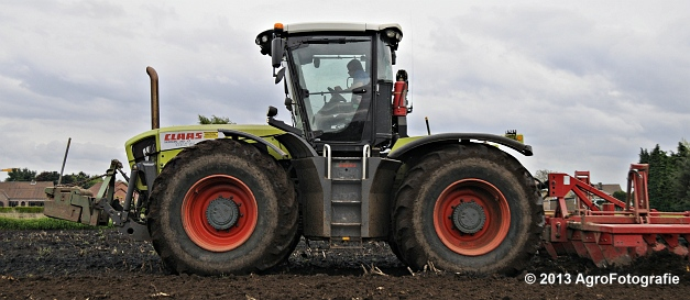 Claas XERION 3800 VC TRAC + Cultivator (6)