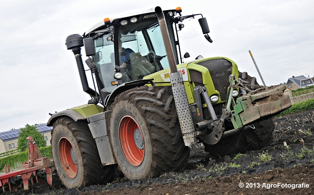 Claas XERION 3800 VC TRAC + Cultivator (7)