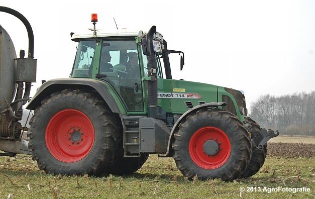 Fendt 714 + Ipsam AGRILINE SDB130 (9)