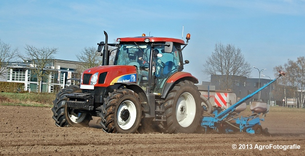 New Holland T6030 + MonoSEM NG plus 3 (17)
