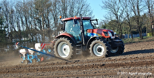 New Holland T6030 + MonoSEM NG plus 3 (21)