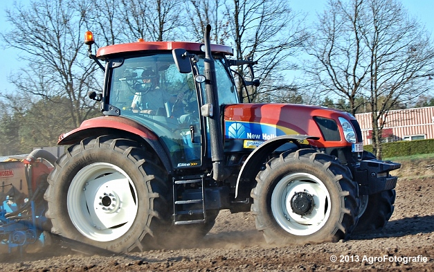 New Holland T6030 + MonoSEM NG plus 3 (22)