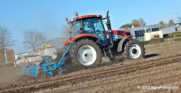 New Holland T6030 + MonoSEM NG plus 3 (24)