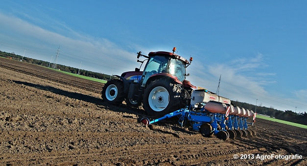 New Holland T6030 + MonoSEM NG plus 3 (28)