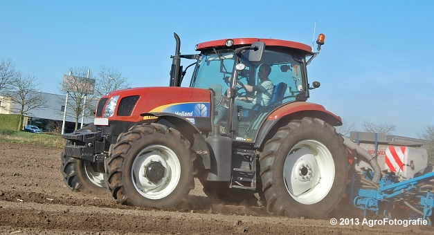 New Holland T6030 + MonoSEM NG plus 3 (5)