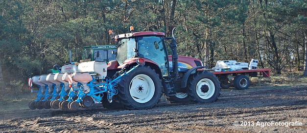 New Holland T6030 + MonoSEM NG plus 3 (8)