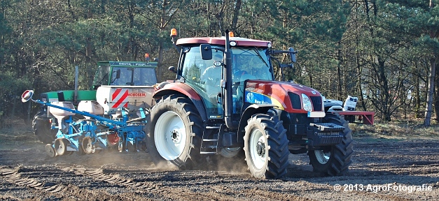 New Holland T6030 + MonoSEM NG plus 3 (9)