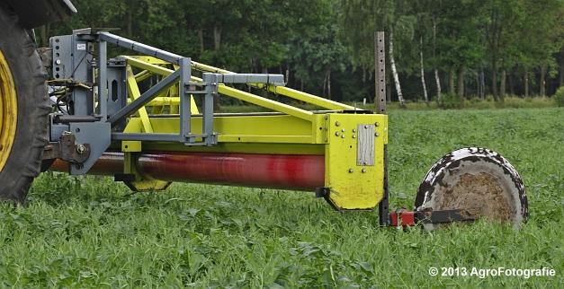 Fendt 820 + Astwell Rollmaster (5)