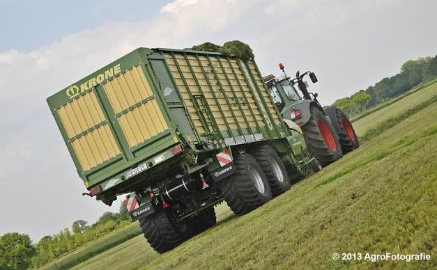 Fendt 824 + Krone ZX 450 GL (17)