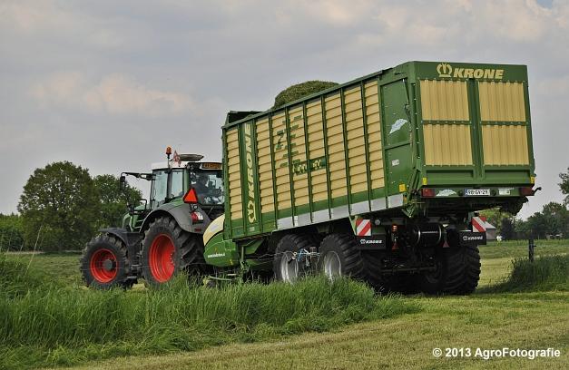 Fendt 824 + Krone ZX 450 GL (20)
