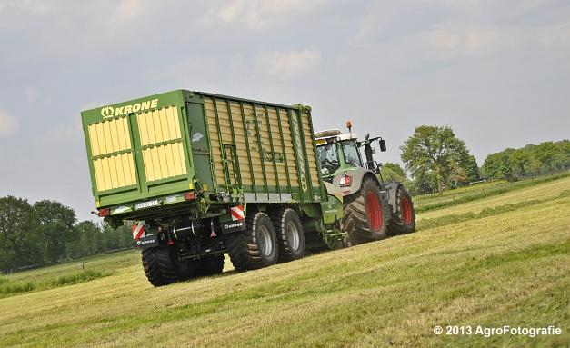 Fendt 824 + Krone ZX 450 GL (9)