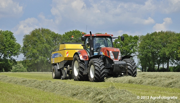 New Holland T7060 + New Holland BB940A (1)