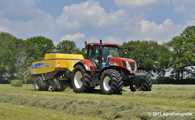 New Holland T7060 + New Holland BB940A (13)