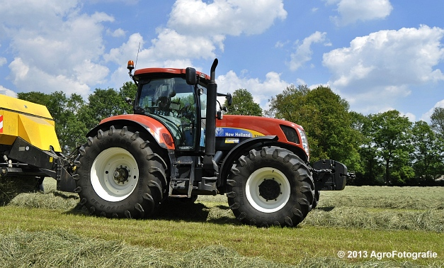 New Holland T7060 + New Holland BB940A (4)
