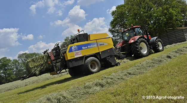 New Holland T7060 + New Holland BB940A (5)