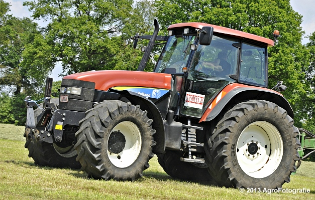 New Holland TM155 + McHale 998 (4)