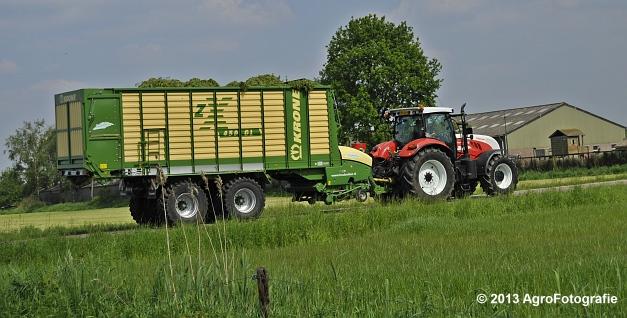 Steyr CVT 6185 + Krone ZX 450 GL (13)