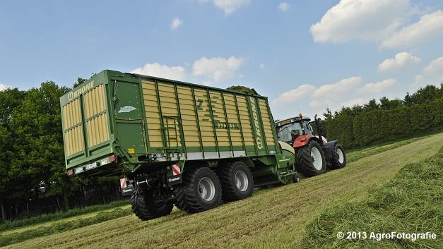 Steyr CVT 6185 + Krone ZX 450 GL (16)