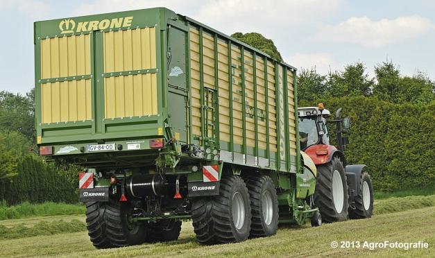 Steyr CVT 6185 + Krone ZX 450 GL (17)