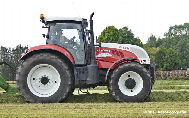 Steyr CVT 6185 + Krone ZX 450 GL (2)