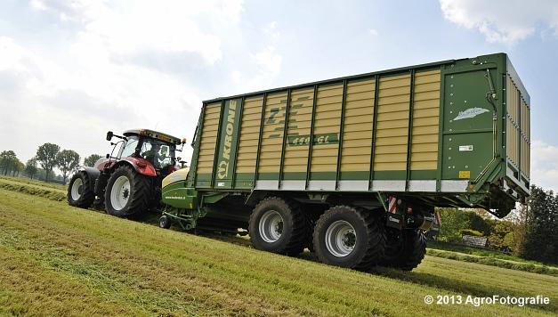 Steyr CVT 6185 + Krone ZX 450 GL (9)
