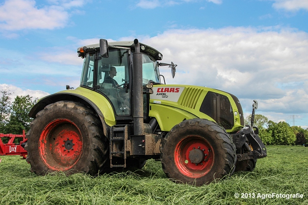 Claas Axion + Lely (3)