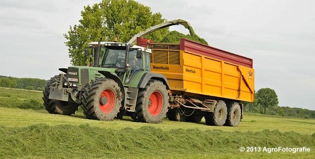 Claas JAGUAR 860 + New Holland & Fendt (10)