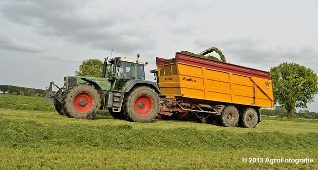 Claas JAGUAR 860 + New Holland & Fendt (11)