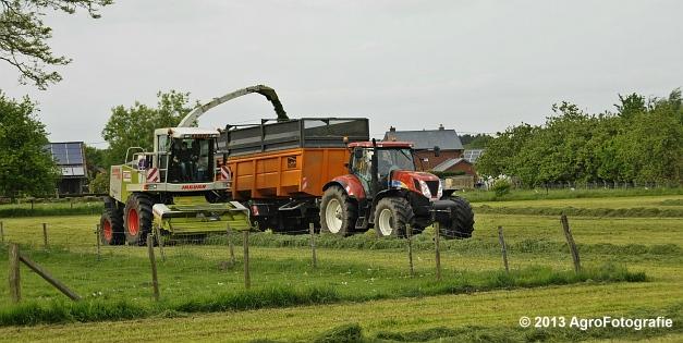 Claas JAGUAR 860 + New Holland & Fendt (16)