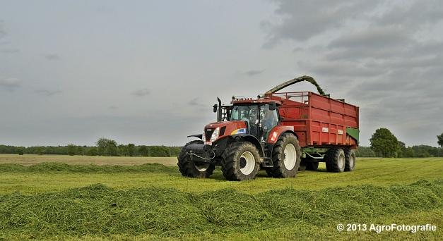 Claas JAGUAR 860 + New Holland & Fendt (2)