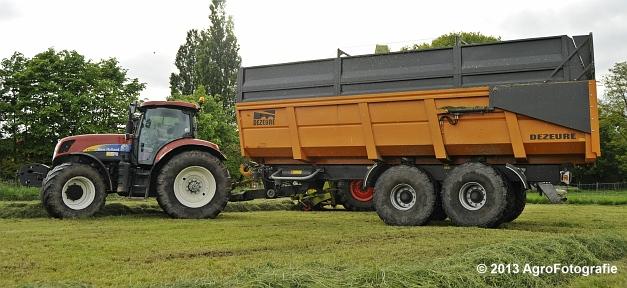 Claas JAGUAR 860 + New Holland & Fendt (21)