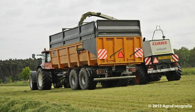 Claas JAGUAR 860 + New Holland & Fendt (23)