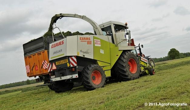 Claas JAGUAR 860 + New Holland & Fendt (28)
