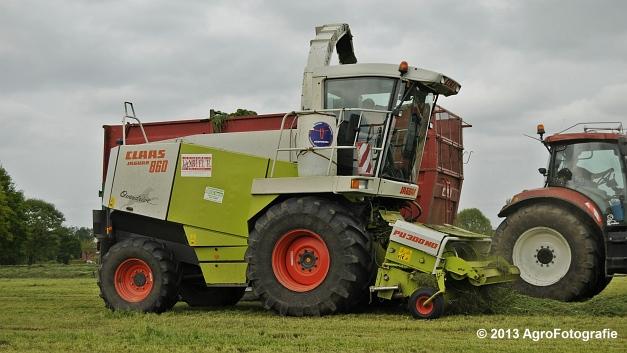 Claas JAGUAR 860 + New Holland & Fendt (34)