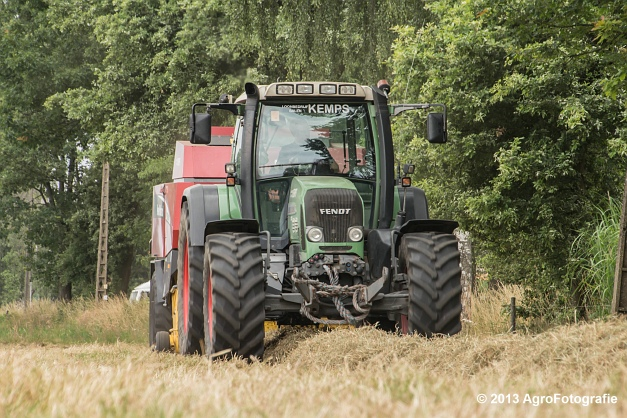 Fendt 818 + New Holland (3)