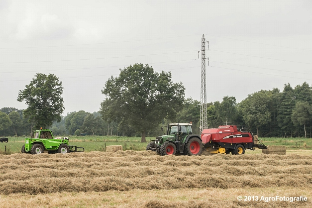 Fendt 818 + New Holland (5)