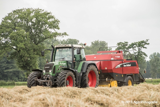 Fendt 818 + New Holland (9)