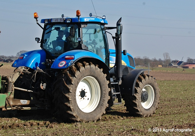 New Holland T6080 + Agrimat Challenger (15)