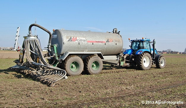 New Holland T6080 + Agrimat Challenger (16)
