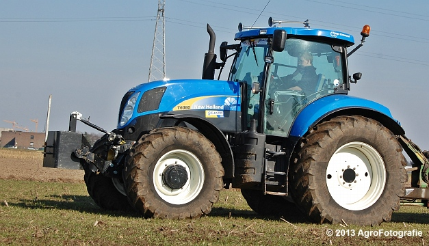New Holland T6080 + Agrimat Challenger (22)