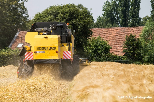New Holland TC 5070 (11)
