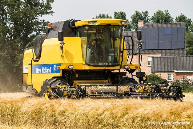 New Holland TC 5070 (15)