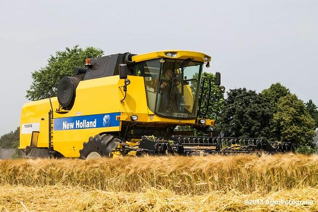 New Holland TC 5070 (16)