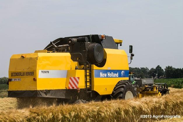 New Holland TC 5070 (17)