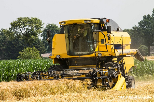 New Holland TC 5070 (19)